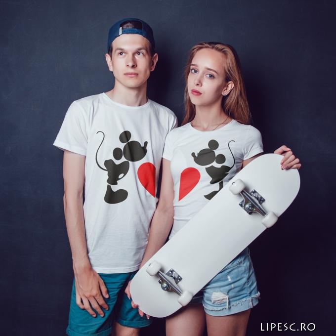 Tricouri personalizate pentru cupluri
