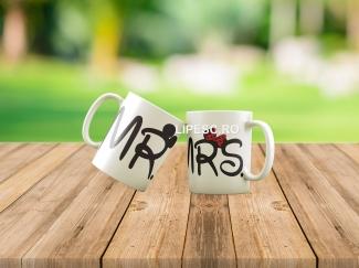 Căni pentru cupluri Mr&Mrs
